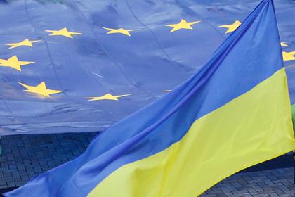UE a amînat pentru o lună decizia finală privind semnarea asocierii cu Ucraina